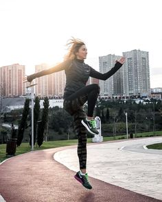 It's all in good form .. #nikewomen #betterforit #GetOutHere .. Photo by @rovingmementos by gokcenarikan