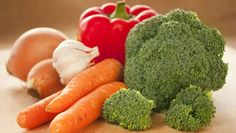 Humans Are Not Actually Meant to Eat Meat - Chic Vegan Broccoli, Carrots, Vegan Recipes, Meat, Vegetables, Healthy, Chic, Food, Shabby Chic