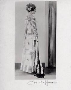 Josef HOFFMANN (1870-1956)- Dress design, 1910. Execution: Wiener Werkstätte