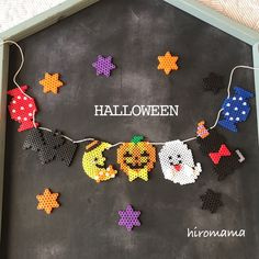 ハロウィンガーランド✩ | ハンドメイドマーケット minne Diy Perler Beads, Perler Bead Art, Bead Crafts, Diy And Crafts, Arts And Crafts, Beaded Jewelry Patterns, Beading Patterns, Halloween Beads, Beads Pictures