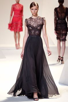 Elie Saab - 2013 so classic so beautiful   I need somewhere to wear this!!