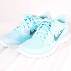 Light blue Nike runners. Love!#fashion #style