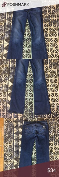 Joe's Jeans Dark Wash 'Socialite' Flare Jeans Joe's jeans 'Socialite' style in a dark wash. Size 27. GUC. Two small marks on the front as shown in picture. Nice stretch. Cute pockets! Joe's Jeans Jeans Flare & Wide Leg