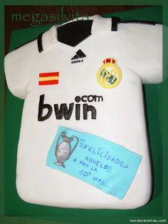 Camiseta Real Madrid:  http://mimarcafavorita.net/category/planeta-futbol/