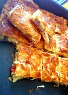 Πίτσα με σφολιάτα !!! ~ ΜΑΓΕΙΡΙΚΗ ΚΑΙ ΣΥΝΤΑΓΕΣ 2 Cookbook Recipes, Cooking Recipes, Spanakopita, Toast, Food And Drink, Yummy Food, Breakfast, Ethnic Recipes, Inspiration
