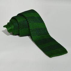 Corbata Punto Rayas Verdes Socks, Fashion, Green Stripes, Fall Winter 2014, Ties, Dots, Moda, Fashion Styles, Sock