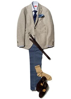 Checkered beige/sand summer jacket, blue pants with brown leather knitted belt, brown suede moccasins and polka dot navy tie combo Suit Fashion, Mens Fashion, Fashion Outfits, Well Dressed Men, Suit And Tie, Facon, Gentleman Style, Jacket Style, Stylish Men