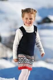 marius selekjole oppskrift Men i rosa og hvitt restegarn Knitting For Kids, Nordic Style, Ravelry, Knit Crochet, Sewing, Children, Barn, Baby Dresses, Pattern