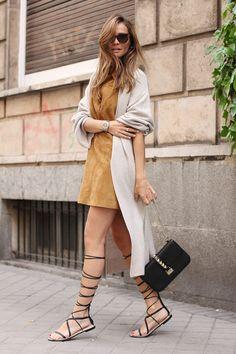 dress, cardigan & sandals Zara, bag Valentino, sunnies Céline, gargantilla Gayubo apr