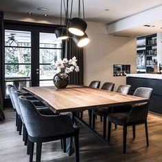 """The Art of Living Online on Instagram: """"∙ WOONKEUKEN ∙ De woonkeuken heeft een kookeiland, een eetbar en een sfeervolle doorkijk haard. De hele keuken is op maat gemaakt en past…"""""""