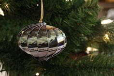 12 Simple Homemade Christmas Ornaments Crafts