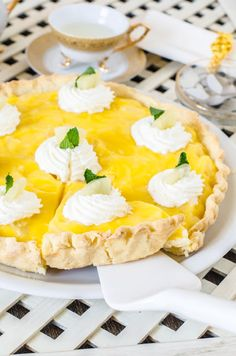 Light and cool tart. With pineapple and mint. Pineapple Mint, Camembert Cheese, Dairy, Gluten, Cookies, Fruit, Ethnic Recipes, Food, Drinks