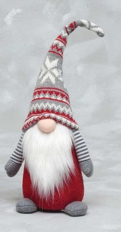 Make a Christmas gnome for your holiday decor this year! This Scandinavian gnome is perfect for your farmhouse Christmas! Make a Christmas gnome for your holiday decor this year! This Scandinavian gnome is perfect for your farmhouse Christmas! Christmas Gnome, Scandinavian Christmas, Diy Christmas Gifts, Christmas Projects, Christmas Decorations, Christmas Ornaments, Christmas Holiday, Holiday Socks, Christmas Mantels