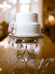 great cake stand