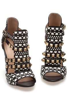 Punk Rock Sandals: ננ ⚜ Boɧo Ꮥคภdคɭs ⚜ Ꮥṭrѧpʂ & Ꮥṭoภƹʂ ⚜ננ White With Black & Gold: Fashion Trend