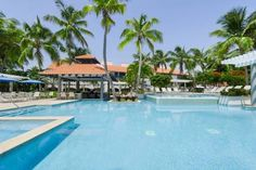 Wyndham Gardens at Palmas del Mar Humacao Boasting a luxurious outdoor pool and an on-site casino, Wyndham Garden at Palmas del Mar is only 5 minutes' walk from the idyllic beach. It also has a restaurant, a vibrant bar and is just over 5 miles from Humacao.