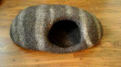 Cat bed / Cat cave / Felt cat cave / Cat house / от CatHouseStore