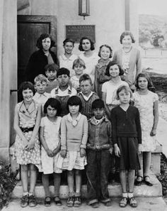 Class photograph at a school in Calabasas, 1933. San Fernando Valley History Digital Library.