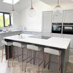 Modern Grey Kitchen, Grey Kitchen Designs, Small Modern Kitchens, Kitchen Room Design, Home Decor Kitchen, Interior Design Kitchen, Home Kitchens, Kitchen Ideas, Modern Kitchens With Islands