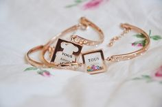 Bellast multi-color rhinestone crystal mirror frame bangles