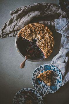 Maple Oat Crusted Blueberry Pie | bettysliu.com
