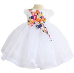 ROCHIE BOTEZ ORGANZA ALBA CU APLICATIE FLORALA Girls Dresses, Flower Girl Dresses, Wedding Dresses, Floral, Fashion, Dresses Of Girls, Bride Dresses, Moda, Bridal Gowns