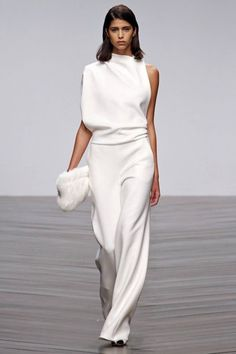 Complete White on White Outfits For This Summer0391