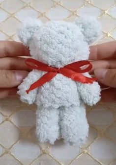 The rag is transformed - molly westergard - The rag is transformed Cadeau pour bébés - Yarn Crafts For Kids, Sock Crafts, Bunny Crafts, Fabric Crafts, Sewing Crafts, Paper Crafts, Wash Cloth Crafts, Paper Art, Diy Crafts Hacks
