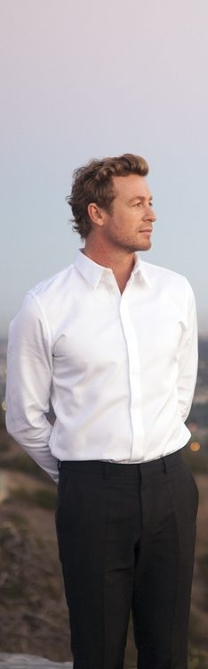 Simon's casual attire for the beach party.