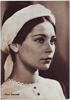 Venczel Vera (Budapest, 1946. március 10. –) Jászai Mari-díjas magyar színésznő - Egri csillagok I-II. (1968)