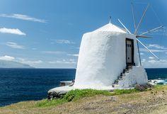 Moinho de Vento by Maria Amaral on 500px (Ilha do Corvo, Açores)