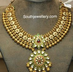 Gold Jewelry For Bridesmaids Code: 7861576567 Indian Wedding Jewelry, Indian Jewelry, Bridal Jewelry, Gold Jewellery Design, Gold Jewelry, Jewelry Designer, Jewlery, Gold Necklace, Jewellery Sketches