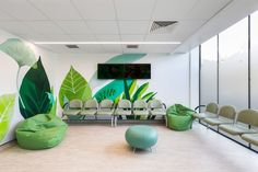 london hospital childrens waiting room interior - home/decor Clinic Interior Design, Clinic Design, Medical Office Design, Healthcare Design, Design Clinique, Children's Clinic, Waiting Room Design, Office Waiting Rooms, Hospital Design