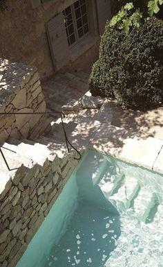 Fantastisk renovering av ett stenhus i Provence - Lilly is Love Outdoor Spaces, Outdoor Living, Outdoor Pool, Party Outdoor, Garden Design, House Design, Dream Pools, Garden Pool, Backyard Patio
