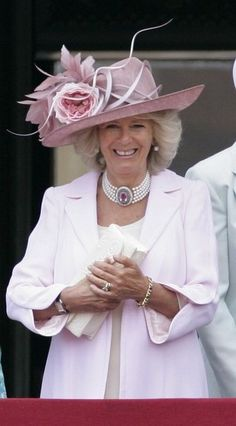 HRH Camilla Duchess of Cornwall stands on the balcony of Buckingham Palace as she attends the annual Trooping the Colour ceremony on June 2010 in London, England. Get premium, high resolution news photos at Getty Images Camilla Duchess Of Cornwall, Duchess Of Cambridge, Queen Hat, Isabel Ii, English Royalty, Herzog, Royal Jewels, Gloucester, Royal Fashion