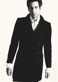 """""""Zachary Levi  - popculturez.com #Celebrity #Entertainmentnews #Celebnews"""""""