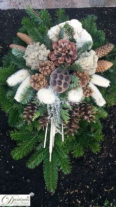 Grave design, deco for fall, All Saints' Day, winter – arrangement of natural material … – Garten und Deko – Wreaths Christmas Urns, Woodland Christmas, Primitive Christmas, Christmas Crafts, Christmas Decorations, Holiday Decor, Grave Flowers, Cemetery Flowers, Funeral Flowers