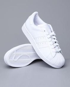 Classic white adidas = fresh to death!