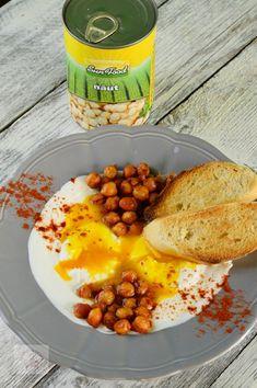 Oua posate turcesti (Cilibir) - CAIETUL CU RETETE Chana Masala, Oatmeal, Breakfast, Ethnic Recipes, The Oatmeal, Morning Coffee, Rolled Oats, Overnight Oatmeal