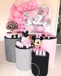 Image gallery – Page 608478599633864109 – Artofit Minnie Mouse Birthday Decorations, Minnie Mouse Theme Party, Minnie Mouse 1st Birthday, Mickey Party, Mickey Minnie Mouse, Mouse Parties, 1st Birthday Parties, Baby Party, Mickey Mouse Birthday