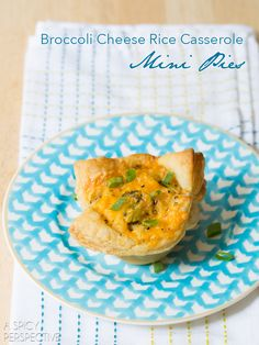Easy broccoli cheese rice casserole mini pies wrapped in individual portions, make fabulous side dishes and lunch box favorites. Broccoli Cheese Rice Casserole, Broccoli And Cheese, Broccoli Bites, Easy Casserole Recipes, Casserole Dishes, Weird Food, Savoury Cake, Appetizer Recipes, Appetizers