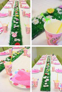 De tafel...ik heb zooo n grasmatjes :-))))!