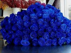 Bouquet of blue roses Flower Bomb, My Flower, Flowers Nature, Pretty Flowers, Flowers For Girlfriend, Stylish Eve, Love Rose, Tips Belleza, Beautiful Roses