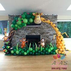Giraffe Balloon Arch, great balloon decor for Jungle, Safari or Animal theme party