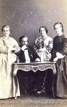 Princesa Leopoldina, dom Pedro II, dona Teresa Cristina e a Princesa Isabel em 1863, por Joaquim José Insley Pacheco.
