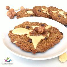 Zdravé sušenky čoko oříškové cookies jsou dokonalá fitness svačinka bez cukru, mouky (lepku) a laktózy. Cookies jsou vhodné i pro diabetiky. Cookies, Fitness, Desserts, Food, Crack Crackers, Tailgate Desserts, Deserts, Biscuits, Essen