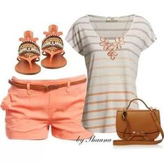 Super cute summer outfit. I would love to try some peach shorts with a top that would accent it like this. Out of my comfort zone.