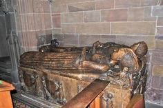 St Michael Sir John Savage 1422-1495 and wife Katherine 1430-1498 eldest daughter of Sir Thomas Stanley, Lord Stanley, stepfather to Henry Tudor. John fought for Edward IV at the battles of Barnet and Tewkesbury and was knighted by him. In 1482 he was made a knight banneret by Richard of Gloucester, and when Richard became king, John was made a Knight of the Body. Despite this, he joined the side of Henry Tudor before the battle of Bosworth