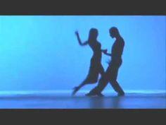 Tango flamenco. Me encanta esta fusión de bailes de uno y otro lado del Atlántico.