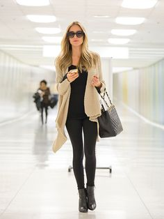 I love her style. and long cardis with leggings.